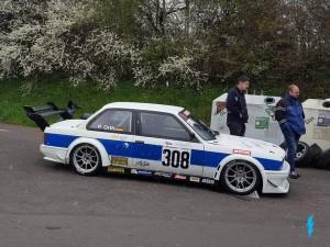 BMW 320i E30_1